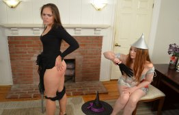 Spanking Veronica Works: Episode 135: Tin Woman Spanks the Witch